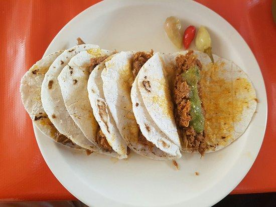 tacos de cochito
