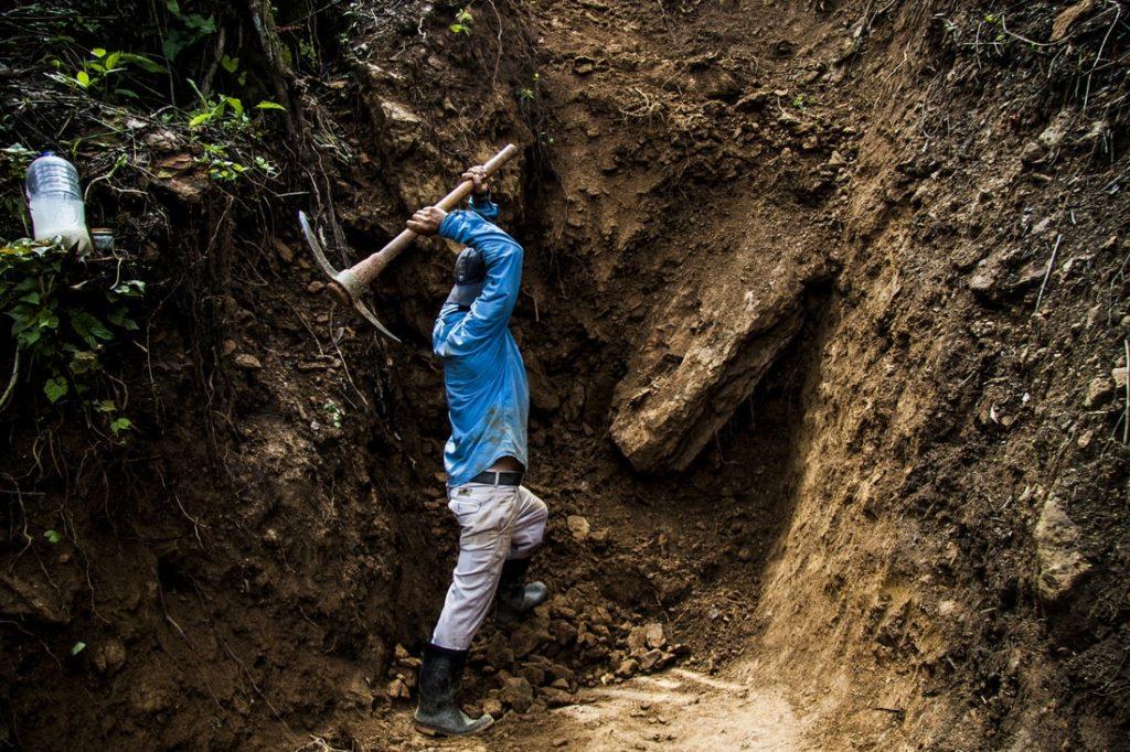 Minero y Extracción del Ámbar de Chiapas